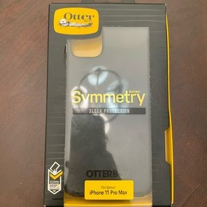 Otter box iphone 11 Pro case